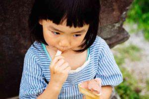 アイスクリームと女の子